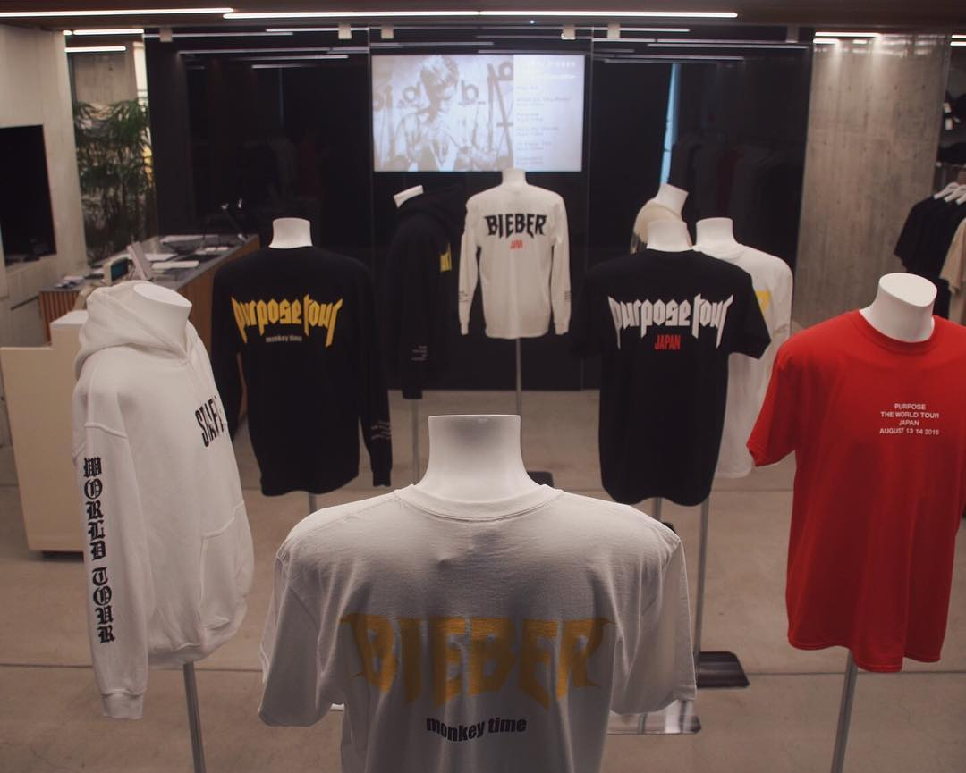 justin-bieber-purpose-tour-goods-popupshop-at-laforet-harajuku-monkeytime