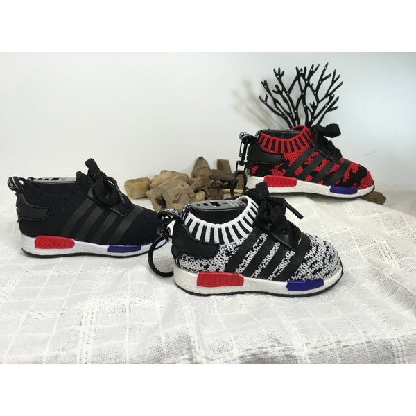 adidas-nmd-prime-knit-type-mobile-battery-key-holder