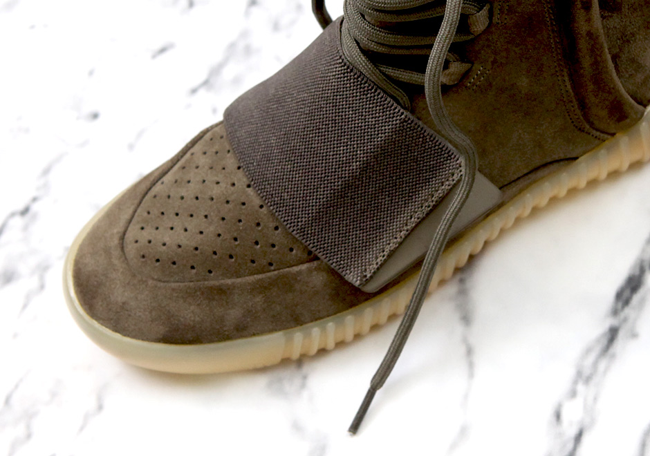 adidas-yeezy-boost-750-light-brown-by2456-release-20161015 width=