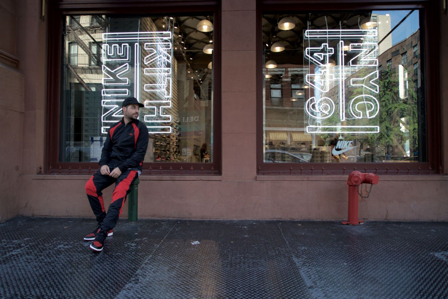 air-jordan-1-retro-og-banned-featured-lookbook