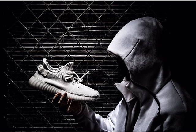 yeezy-boost-350-v2-triple-white-release-2017
