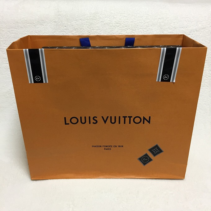 louis-vuitton-fragment-design-2nd-release-20170421-pochette-review