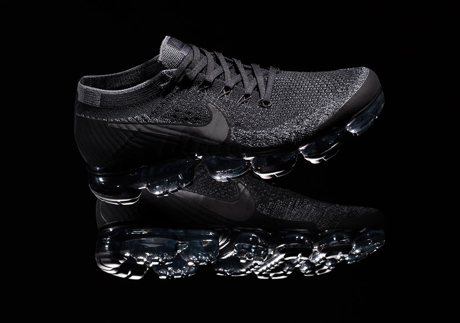nikelab-air-vapormax-triple-black-release-20170326