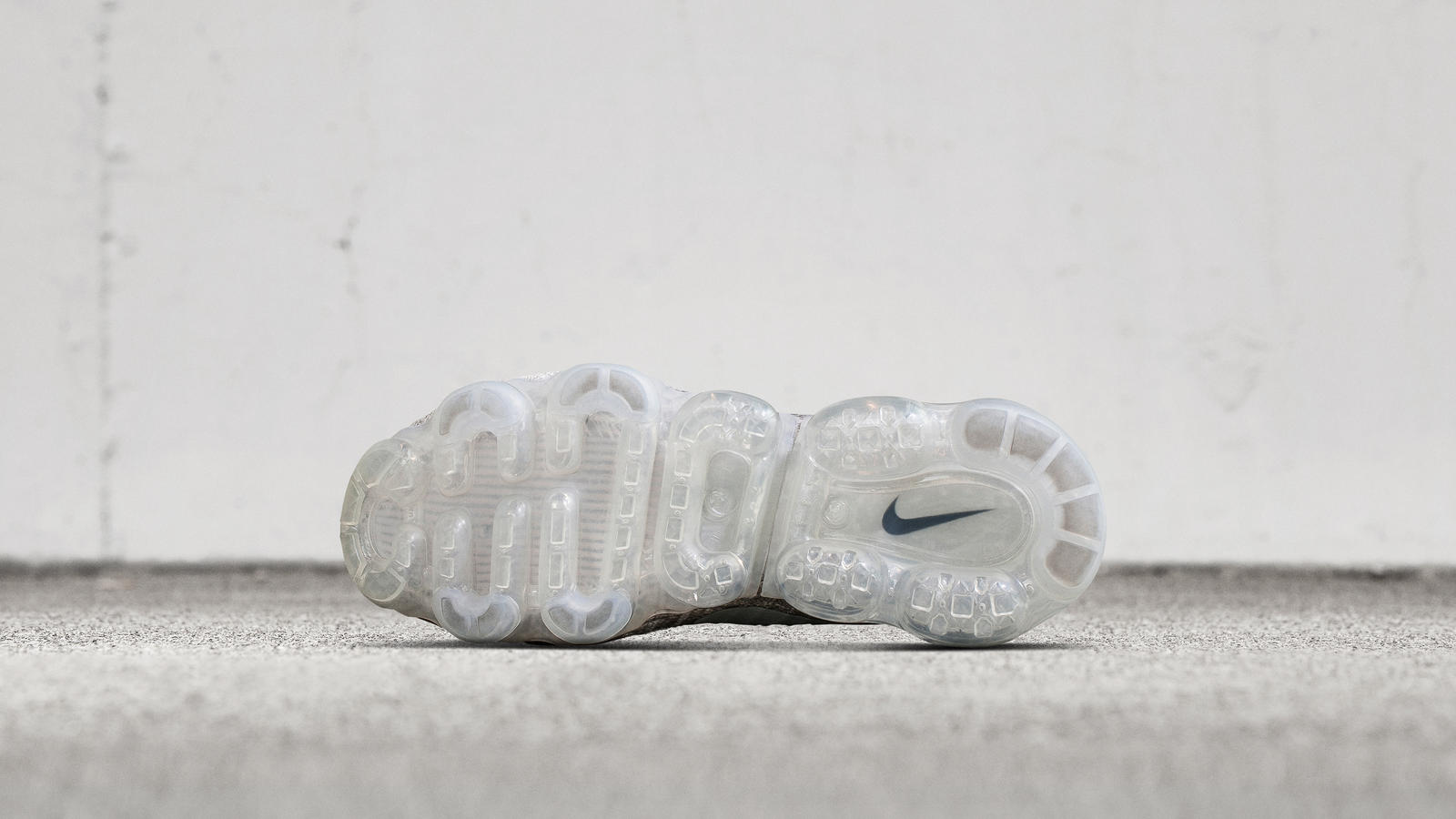 nike-air-vapormax-pale-grey-release-20170427