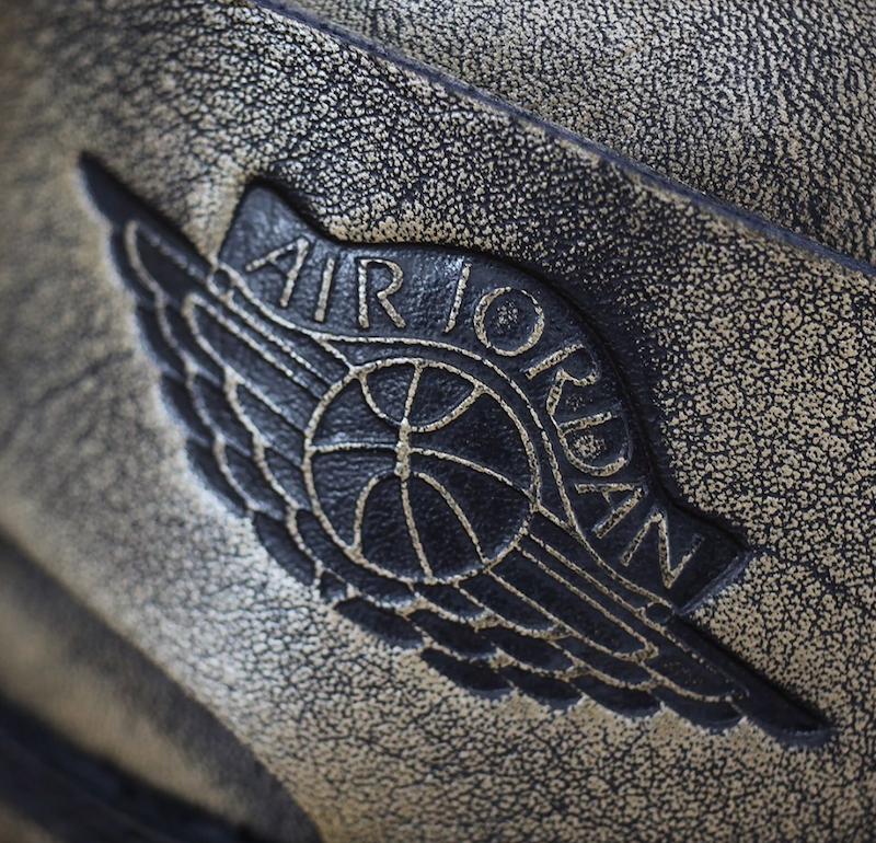 nike-air-jordan-1-wings-metallic-gold-release-19400-pairs