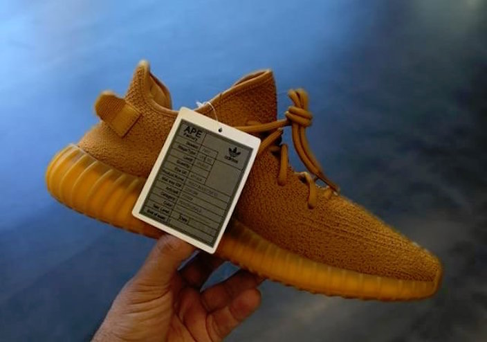 yeezy-boost-350-v2-sample-midnight-blue-gold-ochre