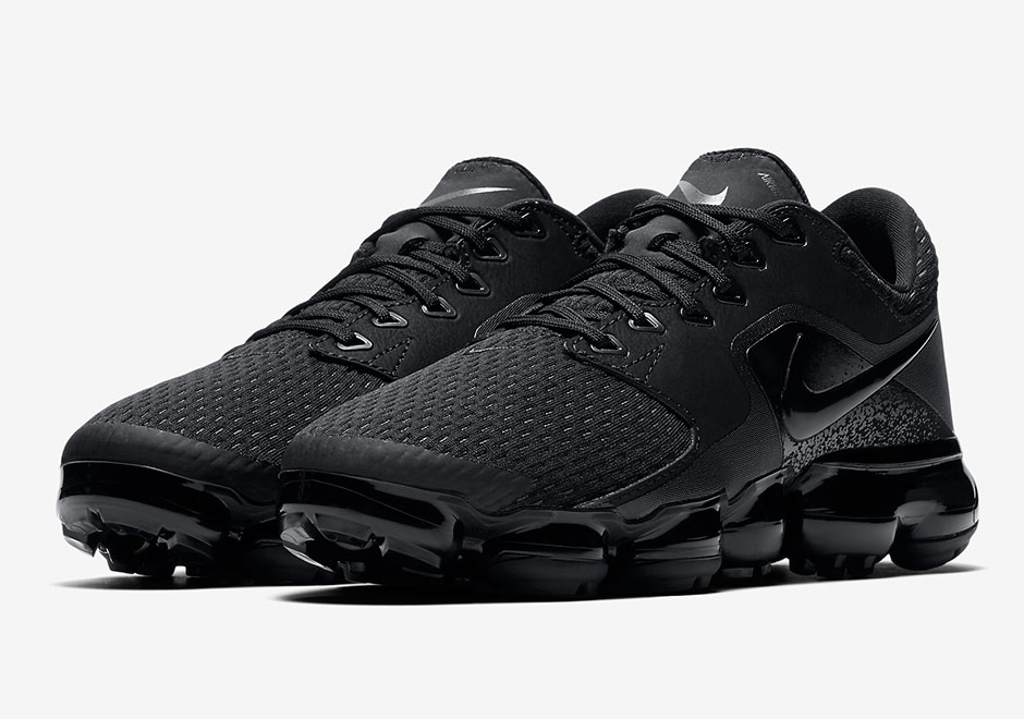 nike-air-vapormax-cs-triple-black-release