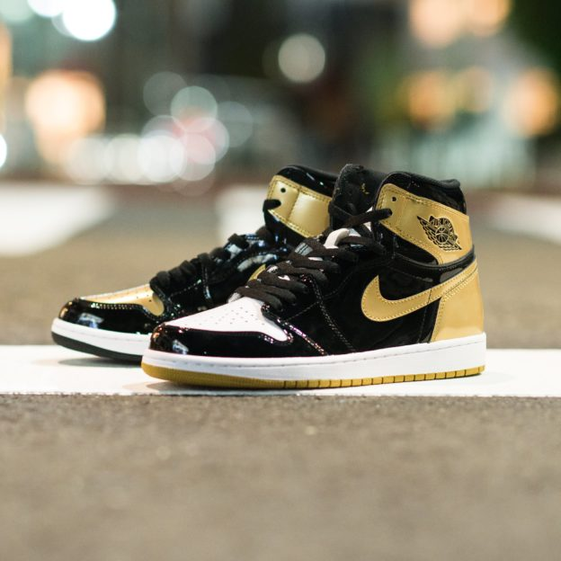 nike-air-jordan-1-gold-top-3-861428-001-release-20171126