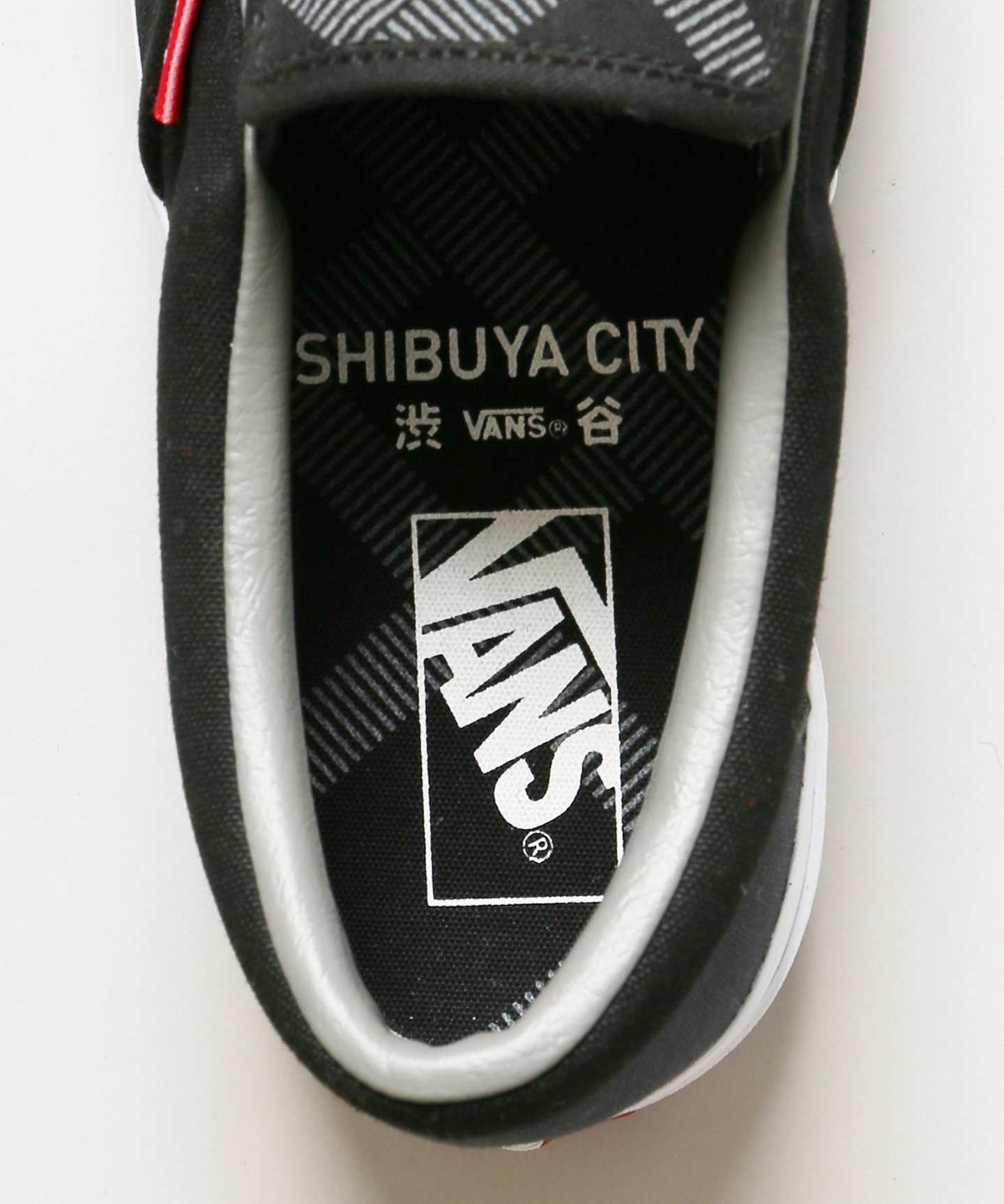 shibuya-city-vans-slip-on-collaboration-release-20180110