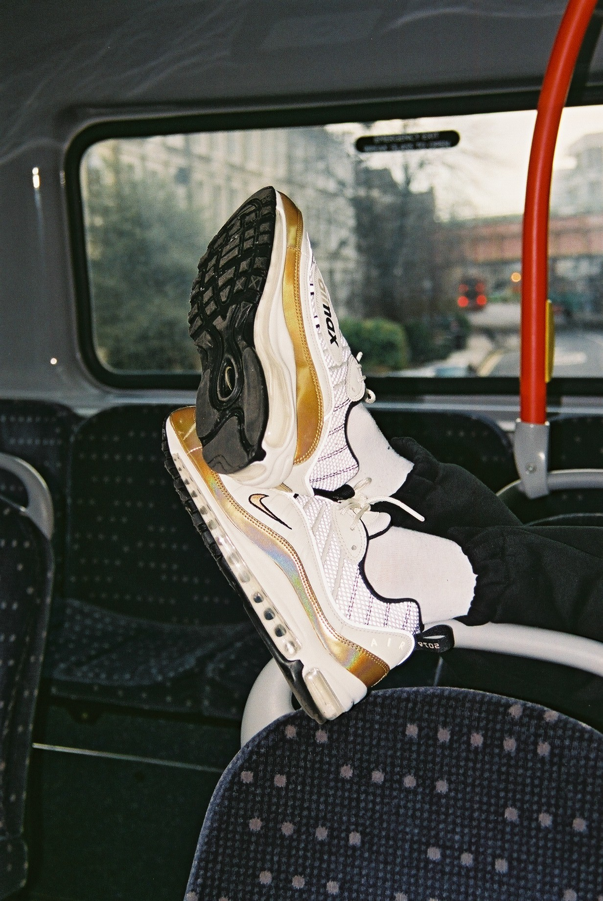 nike-air-max-98-uk-aj6302-100-release-20180216