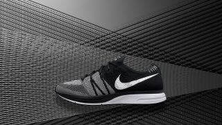NIKE FLYKNIT TRAINER BLACK WHITEが、2018/2/27(火)に国内で発売予定です。