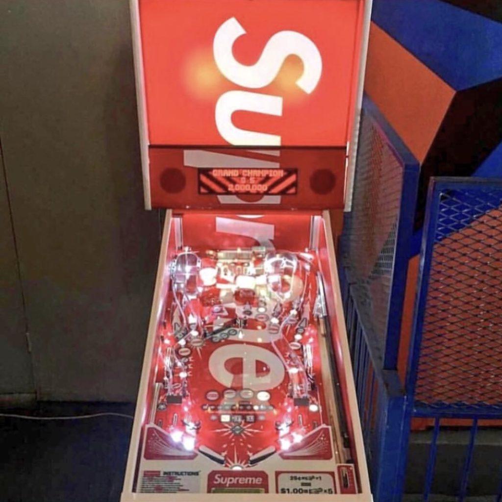 supreme-18ss-spring-summer-supreme-stern-pinball-machine