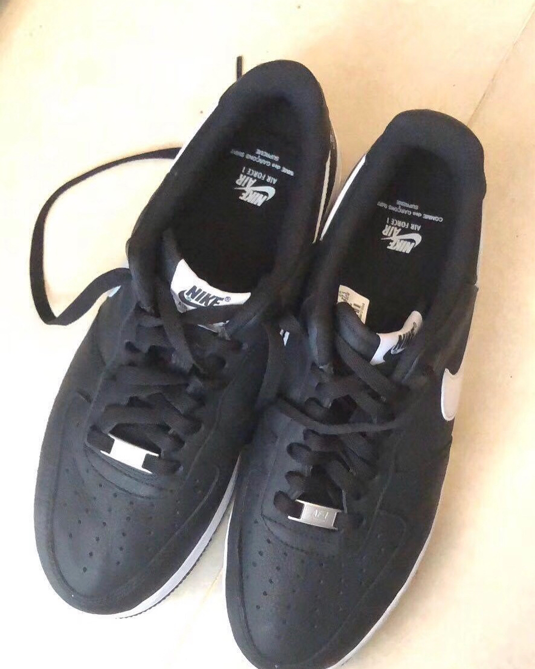 supreme-comme-des-garcons-shirt-nike-air-force-1-low-leak