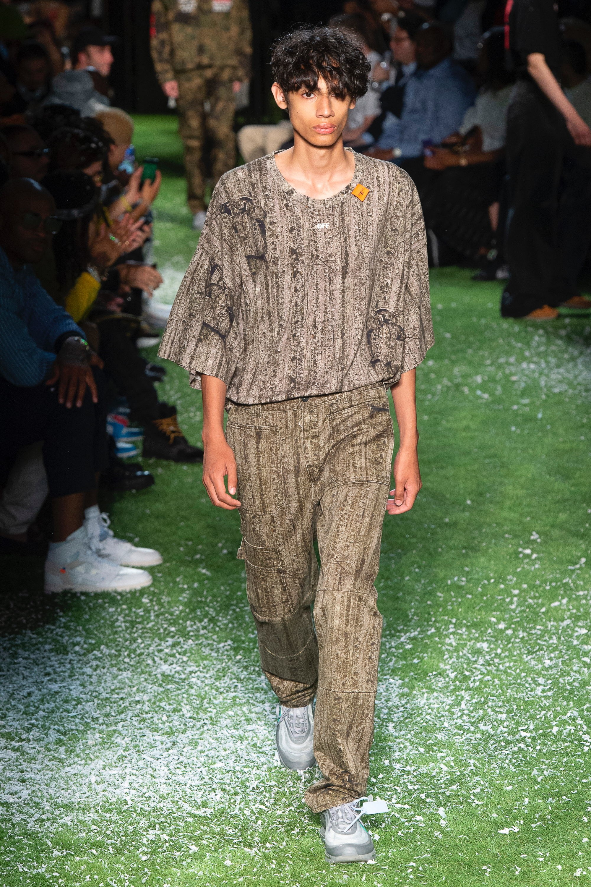 virgil-abloh-off-white-2019-spring-summer-menswear-collection-20180620