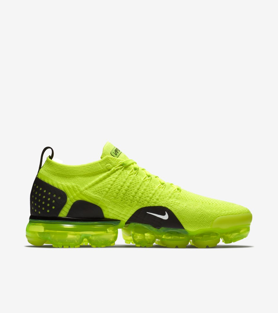 nike-air-vapormax-2-volt-white-black-942842-700-release-20180711
