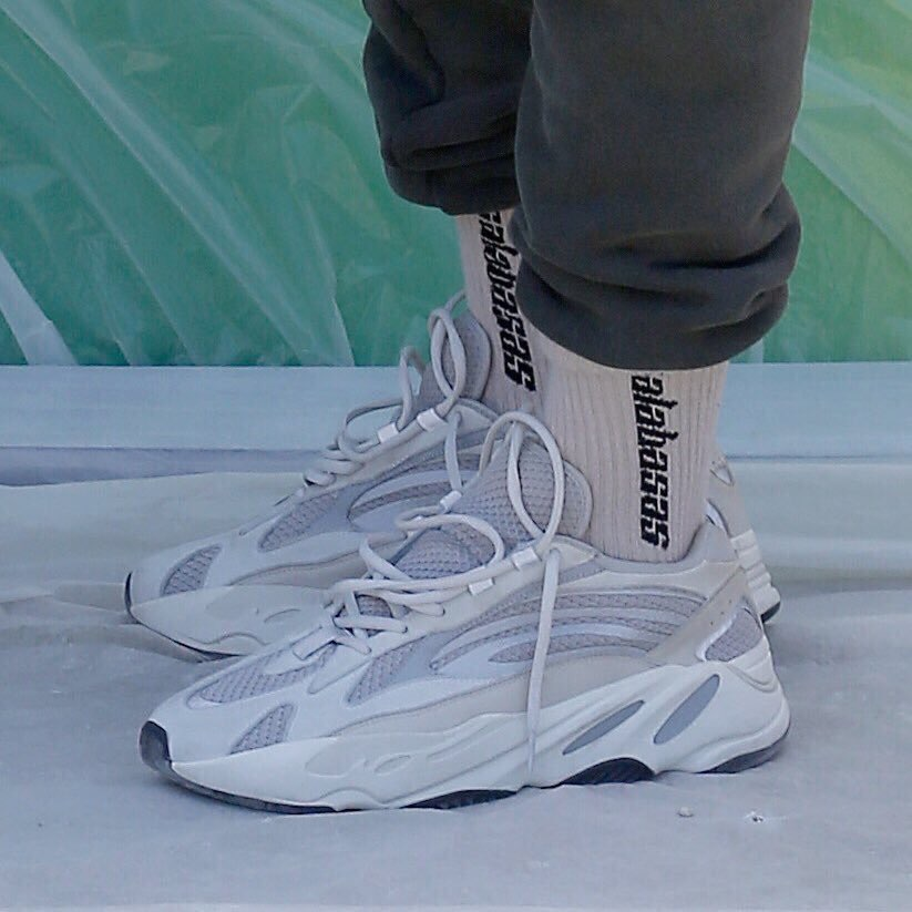 adidas-yeezy-boost-700-v2-static-ef2829-release-201812