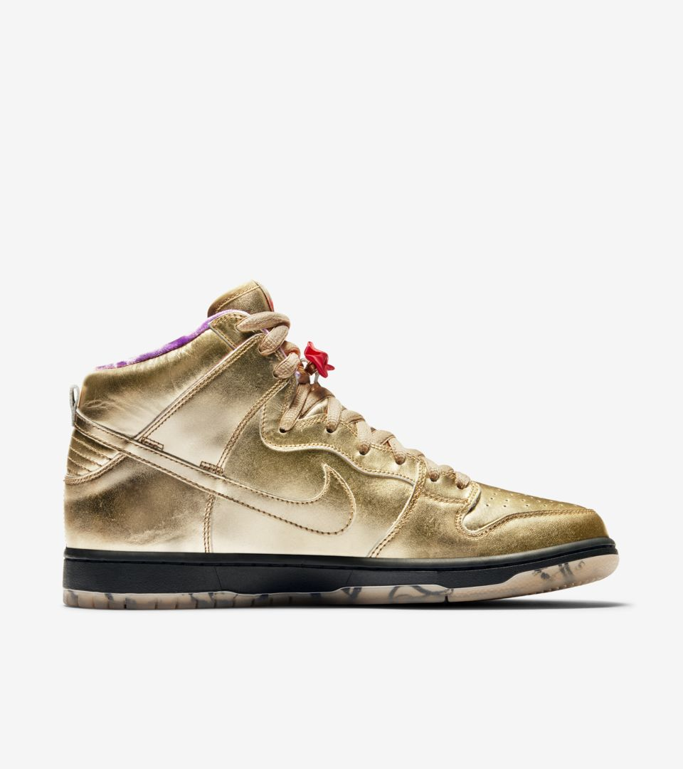 nike-sb-dunk-high-humidity-metallic-gold-av4168-776-release-20180922