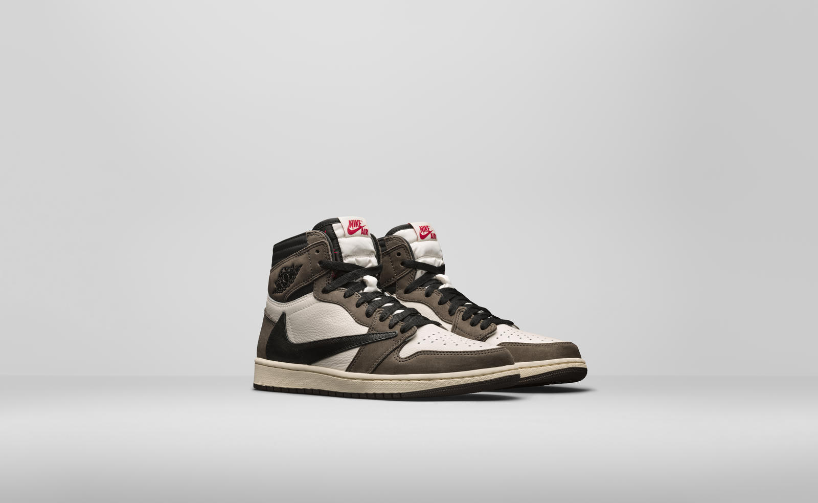 travis-scott-air-jordan-1-high-og-apparel-collection-release-20190511