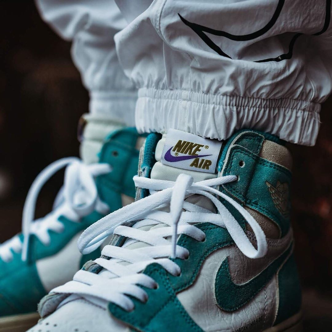 nike-air-jordan-1-retro-high-og-turbo-green-555088-311-release-20190215