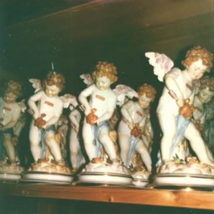supreme-19ss-spring-summer-supreme-meissen-hand-painted-porcelain-cupid-figurine