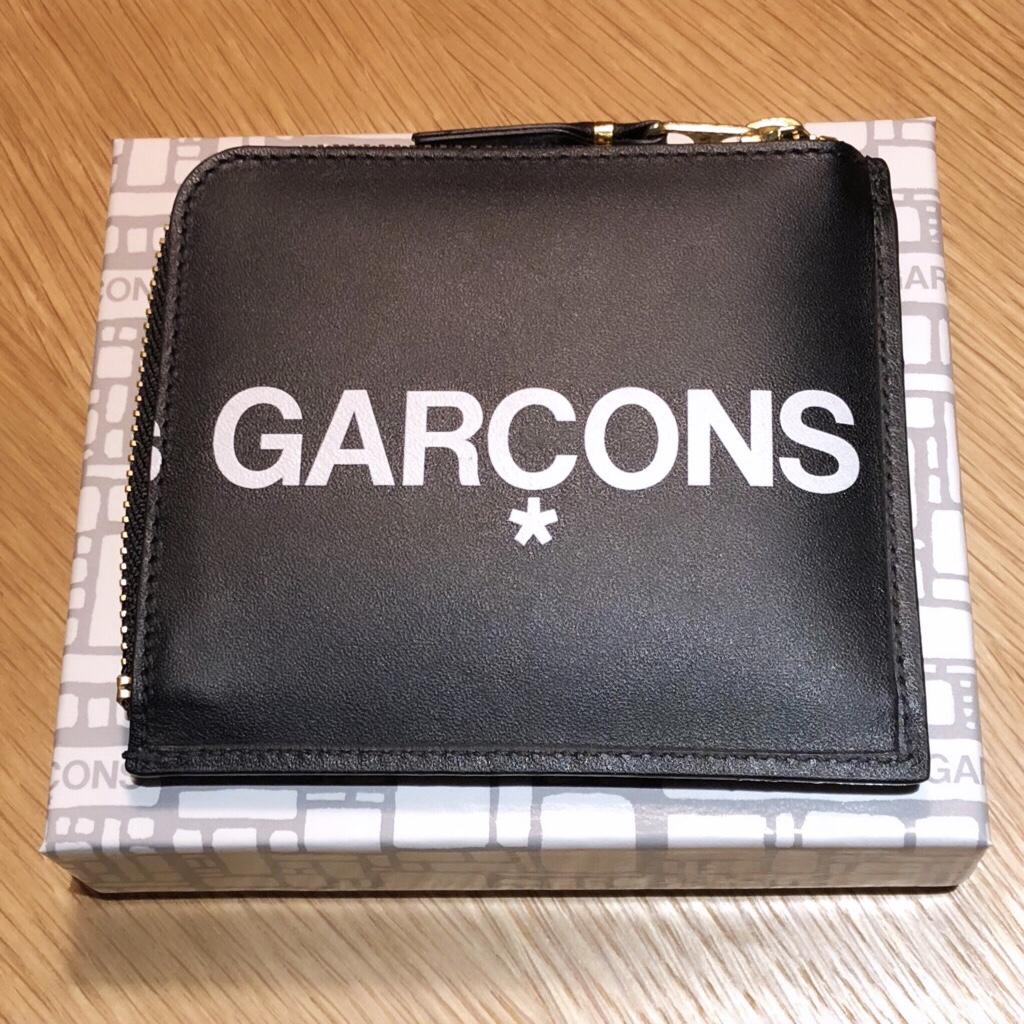comme-des-garcons-huge-logo-wallets-coincase