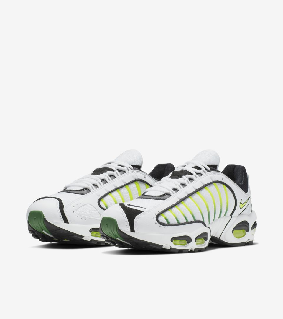 nike-air-max-tailwind-4-og-white-volt-aq2567-100-release-20190425