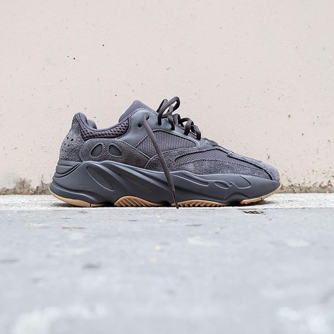 adidas-yeezy-boost-700-utility-black-fv5304-release-20190629