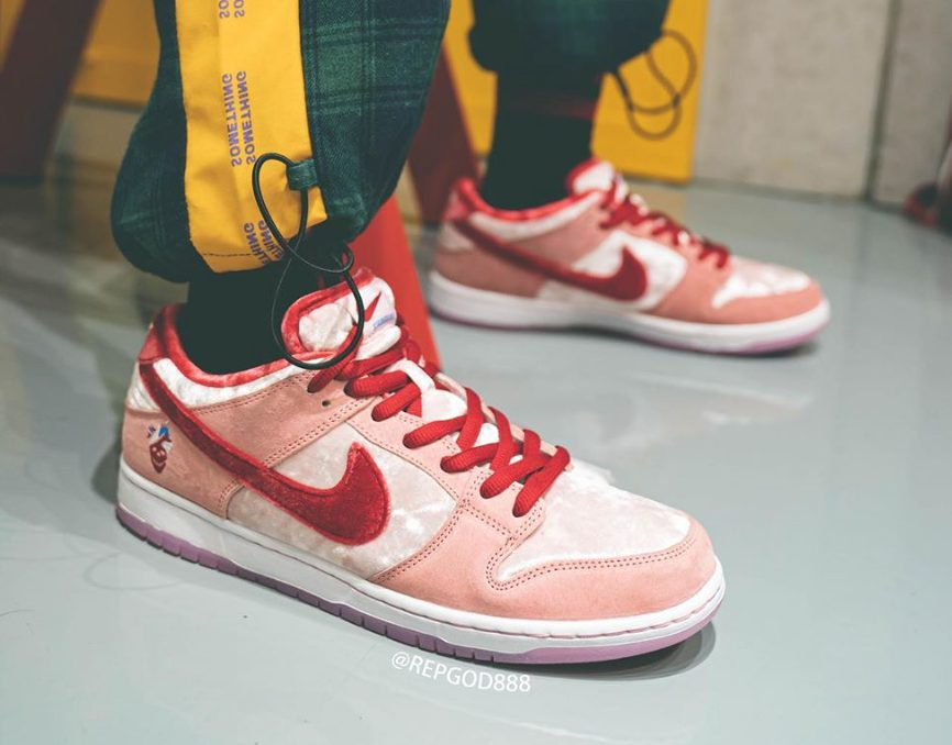 strangelove-nike-sb-dunk-low-ct2552-800-release-20200201