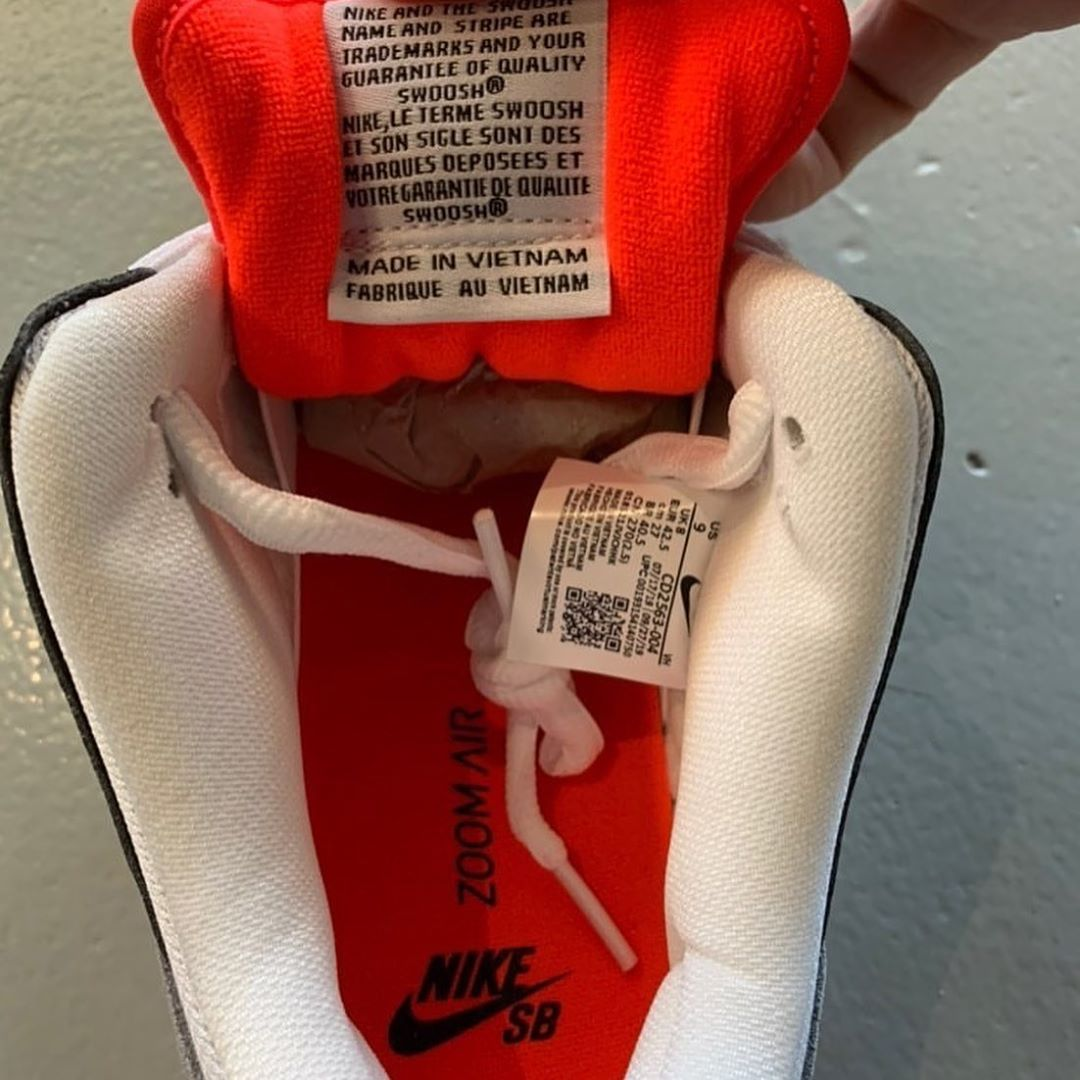 nike-sb-dunk-low-pro-infrared-cd2563-004-release-20200120