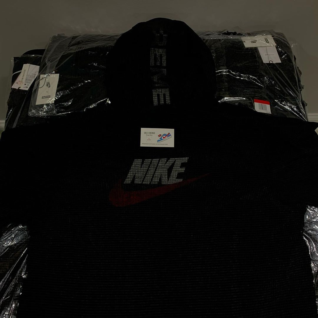 supreme-nike-reversible-jacket-20aw