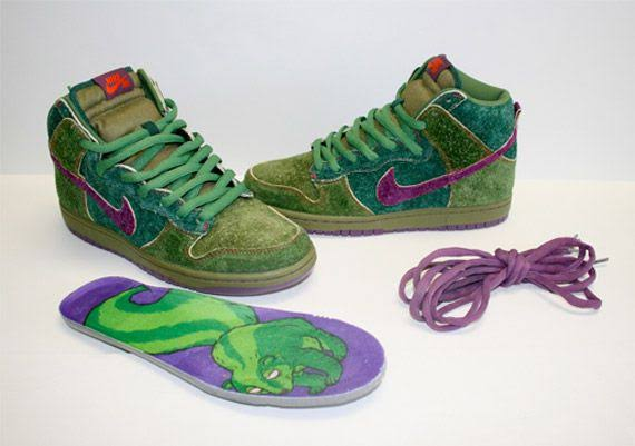 nike-sb-dunk-high-skunk-release-2010