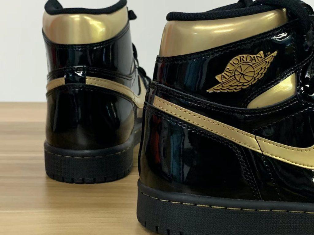 nike-air-jordan-1-retro-high-og-black-metallic-gold-555088-032-release-2020