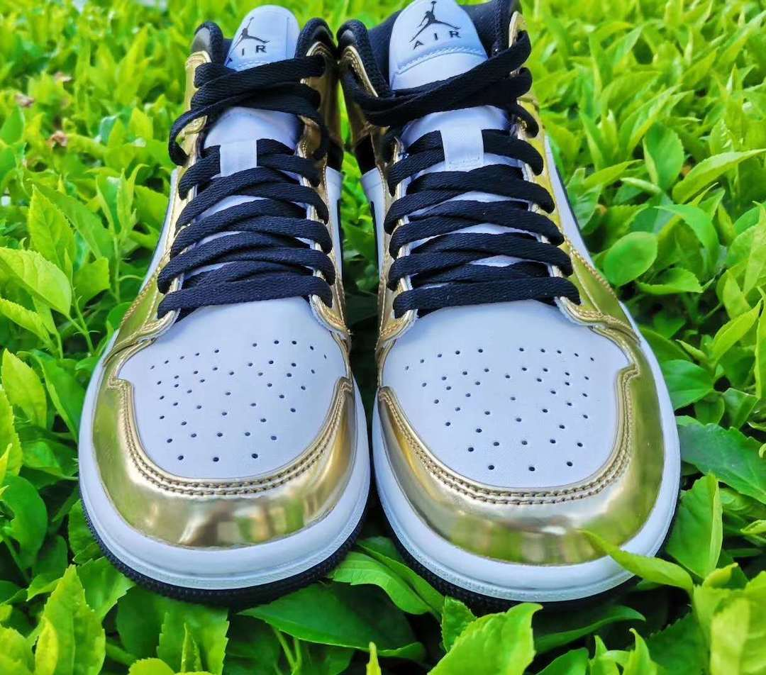 nike-air-jordan-1-mid-white-metallic-gold-dc1419-700-release-2020-fall