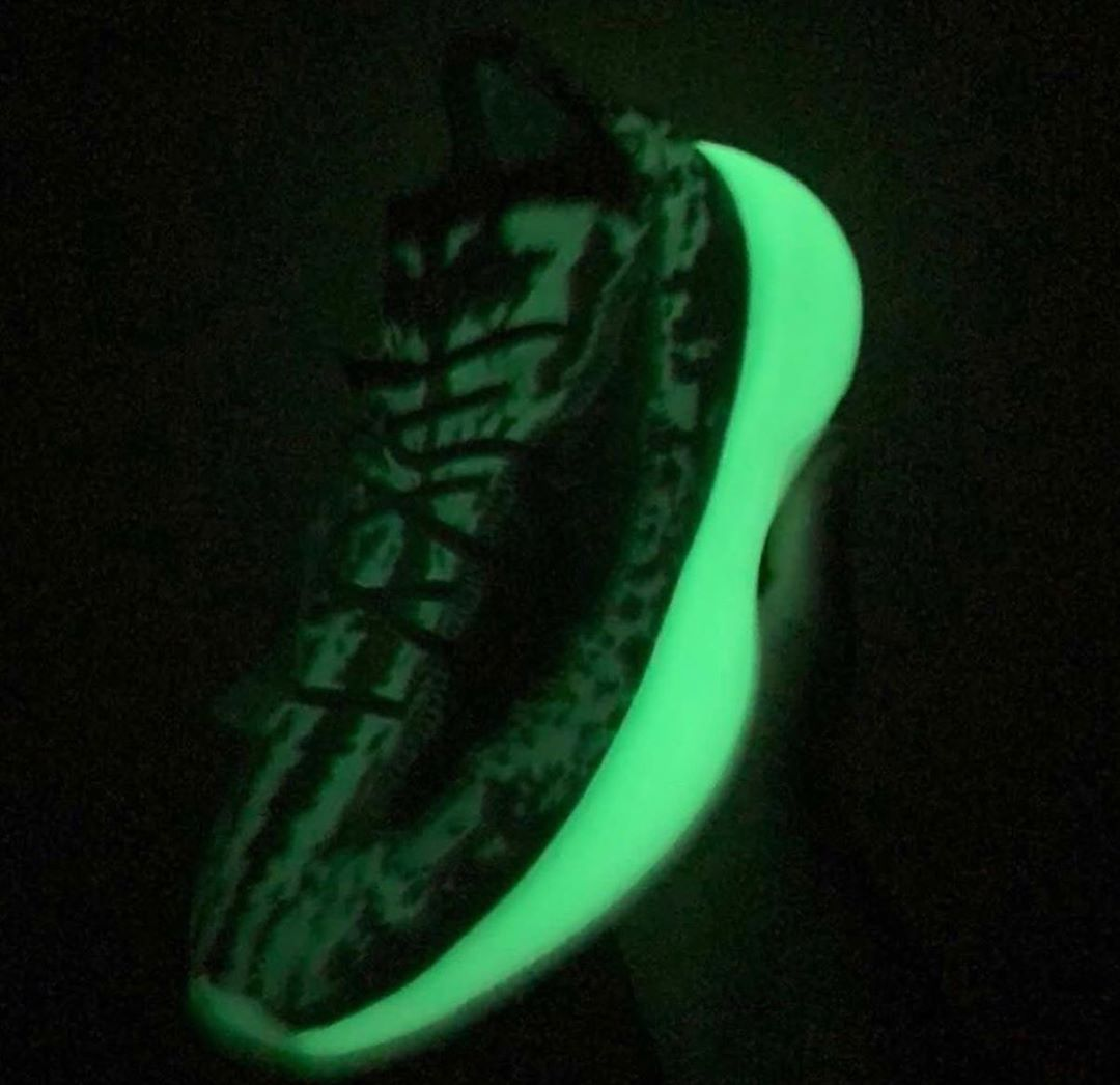 adidas-yeezy-boost-380-calcite-glow-gz8668-release-20201031
