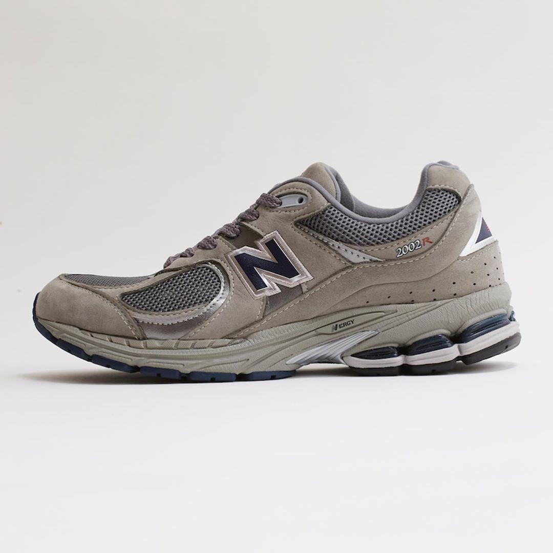 new-balance-ml2002r-grey-release-20201016