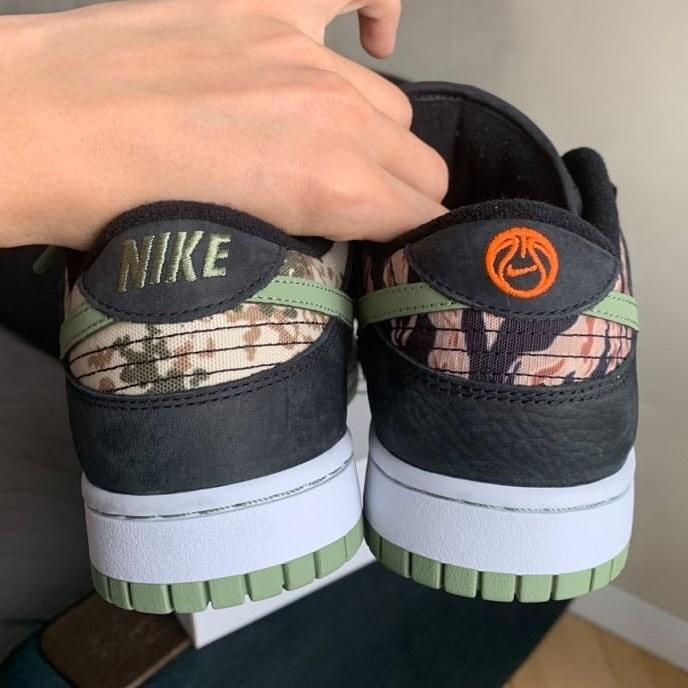 nike-dunk-low-se-black-oil-green-white-total-orange-dh0957-001-release-2021