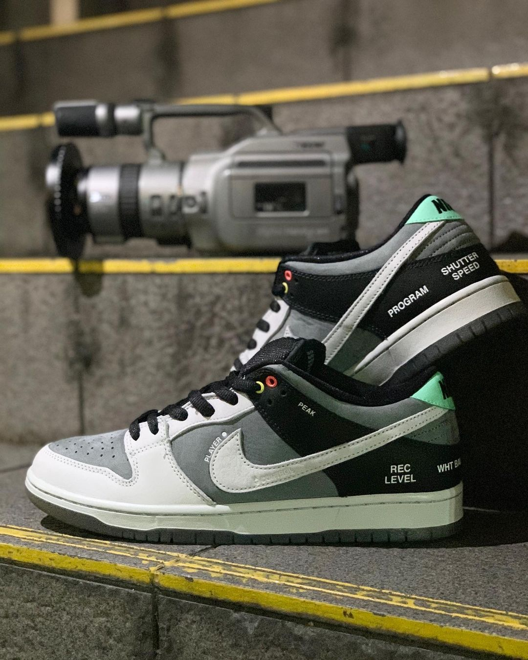 nike-sb-dunk-low-camcorder-release-20210301