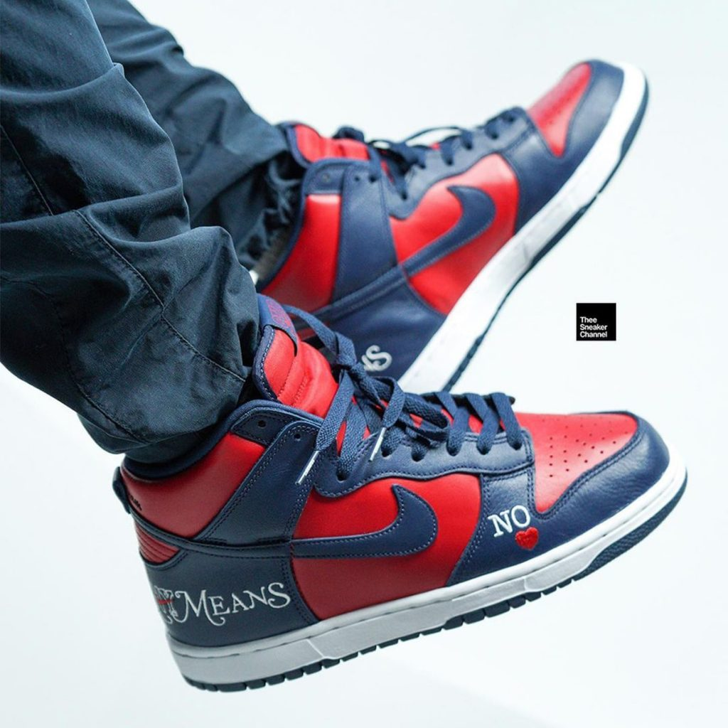 supreme-nike-sb-dunk-high-by-any-means-dn3741-002-006-release-21aw-21fw