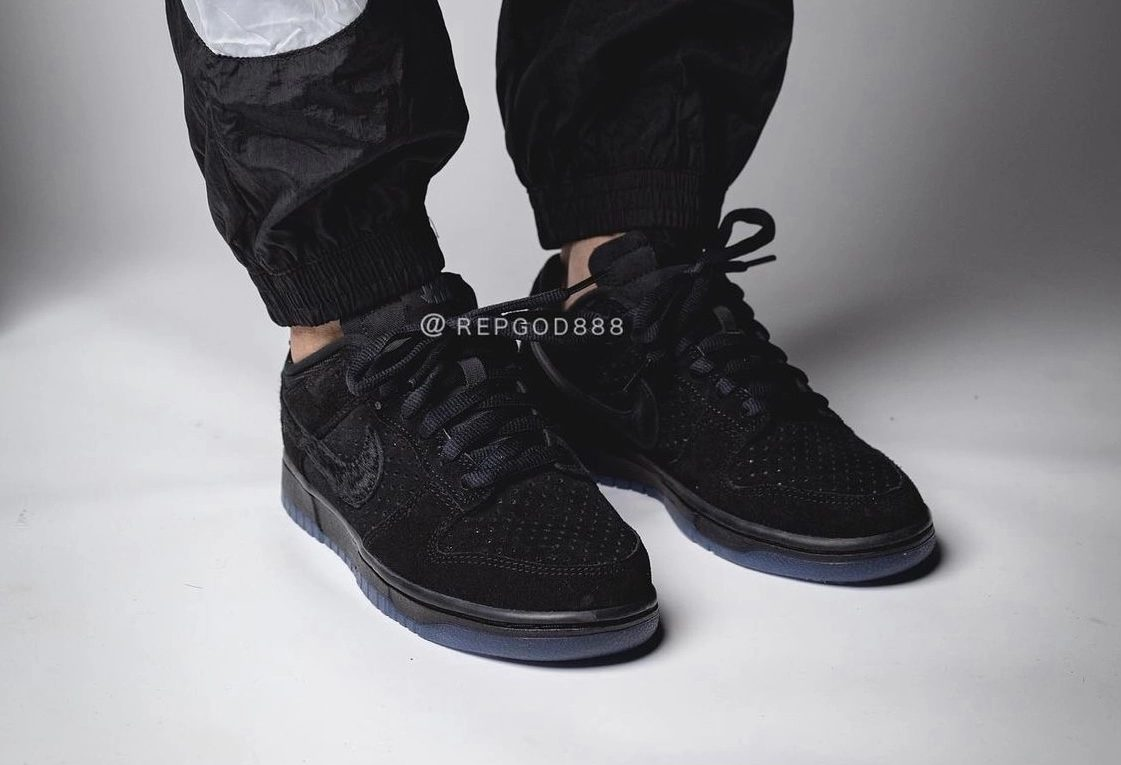 undefeated-nike-dunk-low-dunk-vs-af-1-do9329-001-release-2021