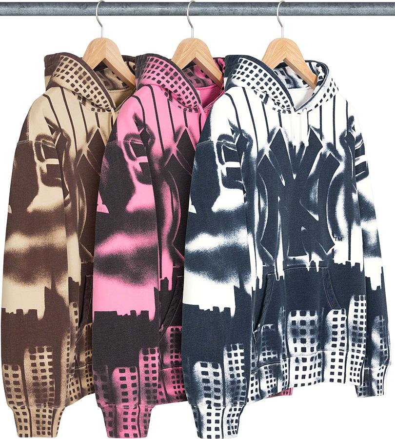 supreme-21aw-21fw-supreme-new-york-yankees-airbrush-hooded-sweatshirt